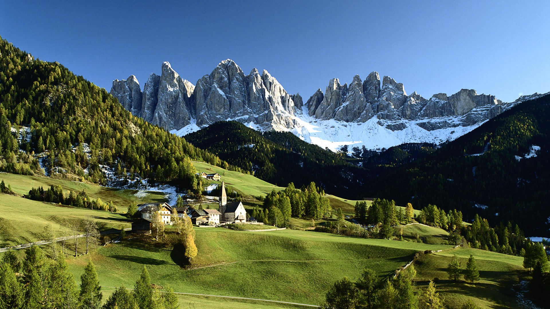 Wonderful Wallpaper Home Screen Mountain - a-beautiful-small-village-in-the-mountains  Graphic_806034.jpg