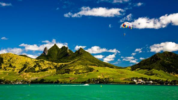 Beautiful-Green-Seashore-Mountains