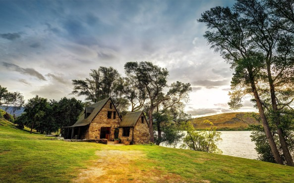 lakeside-house-new-zealand