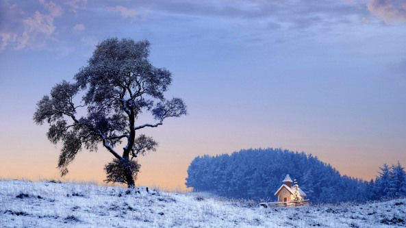 Lone-Cottage-in-Snow-Landscape